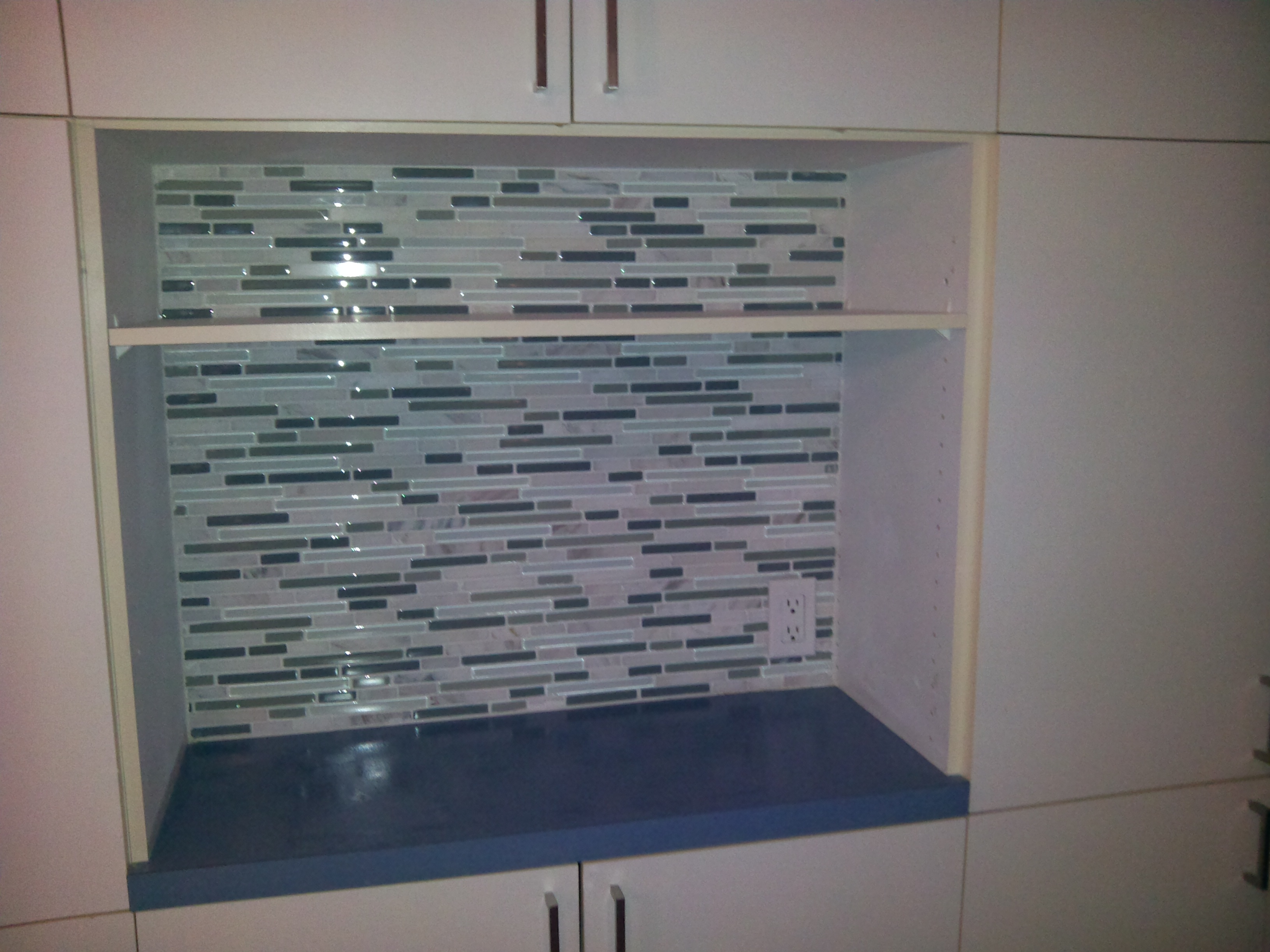 Glass tile moasic tiled wall