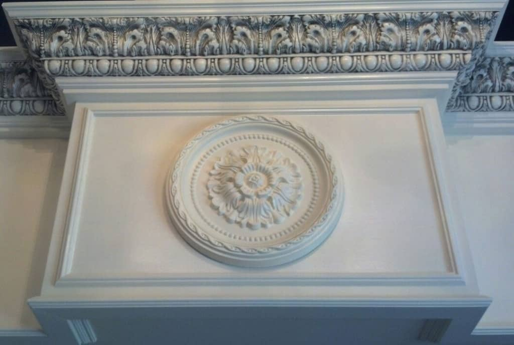Moulding carpentry services