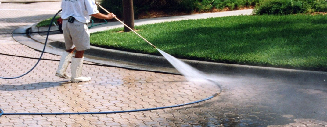 Power washing with odd job odd job handyman services inc for Best way to clean driveway
